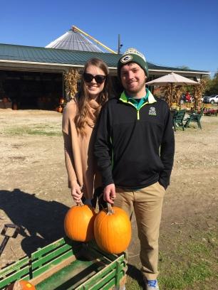 couple-pumpkin